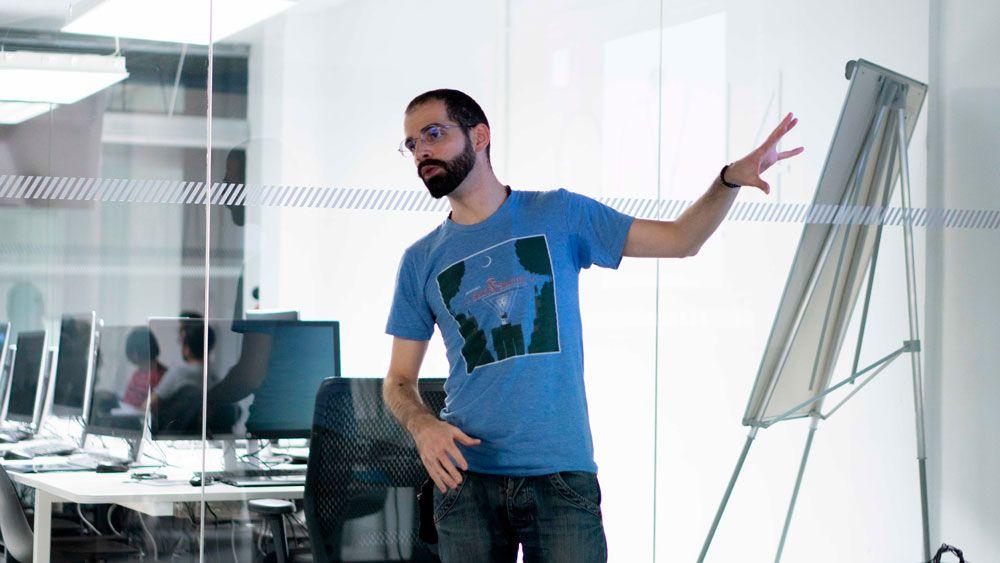 Adrián Miguel